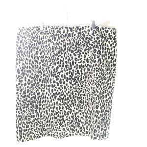 Calvin Klein black and white cheetah skirt size 22